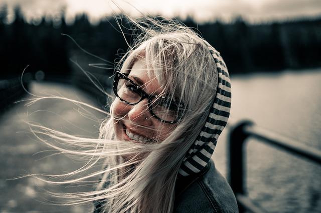 Fioletowa farba do włosów - jak ją wybrać?